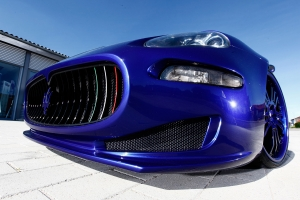 Front grill and front apron as tuning part for the Maserati 4200 selectable