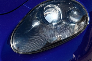 Headlights and fog lights of the Maserati 4200 can of course be synonymous