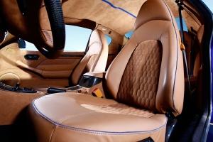 Auch ins Maserati-Interieur lässt der Veredeler aus dem Zollernalbkreis auf Wunsch Farbe einziehen