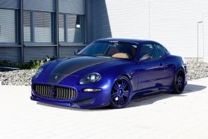Zusätzliche Tuningteile aus Carbon für die Front des Maserati 4200 sind wählbar