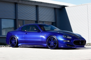 A KW coilover suspension ensures a special look and optimum road grip of the Maserati 4200