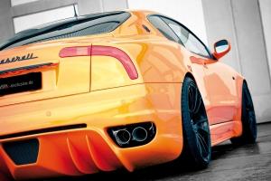 Heckstoßstange mit Diffusor und Finnen für den Maserati 4200