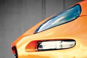 Für den Maserati 4200 ist eine Tuningstoßstange erhältlich, bei der die originalen Lichter und Nebelscheinwerfer erhalten bleiben