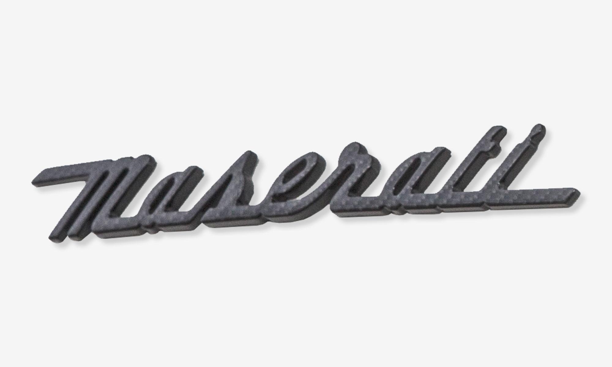 Maserati Schriftzug hinten in Carbon für Maserati 4200 EVO