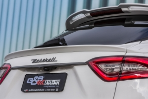 Exclusive 3-piece rear spoiler for the Maserati Levante