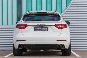 Rear strip in carbon for den Maserati Levante