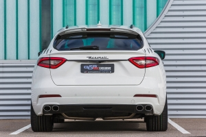 Rear strip in carbon for den Maserati Levante
