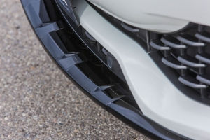Front Spoiler Lip made of carbon for the Maserati Levante